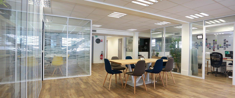 pose de cloisons vitr es amovibles de bureaux simple ou double vitrage. Black Bedroom Furniture Sets. Home Design Ideas